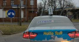 Jazda na stłuczkę. Taksówkarz chciał wyłudzić odszkodowanie? [WIDEO]