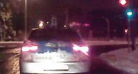Tego taksówkarza przepisy nie obowiązują?! [WIDEO]