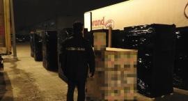 Celnicy z Torunia przechwycili tir z ogromną ilością podrobionego towaru
