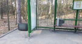 Telewizory na przystanku autobusowym!