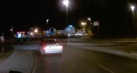 Groźna kolizja na Placu Hoffmana w Toruniu [WIDEO]
