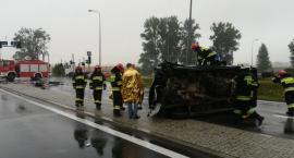 Bardzo groźna kolizja pod Toruniem z udziałem dwóch samochodów osobowych [FOTO]