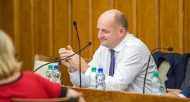 Kontrowersyjne głosowanie w sejmiku województwa. Marszałek będzie zarabiać mniej