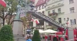 Na manifestacji KOD-u w Toruniu interweniowała Straż Pożarna