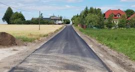 Trwa modernizacja dróg pod Toruniem. Za kilka dni zakończy się remont 8 odcinków [FOTO]