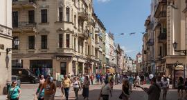 Którego kandydata popiera najbardziej rozpoznawany głos w Toruniu? [WIDEO]