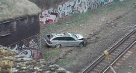 Samochód wpadł do tunelu kolejowego. Kierowca usłyszał poważny zarzut