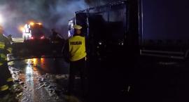 Ciężarówka w ogniu. Komunikacyjny paraliż w Toruniu! [FOTO]