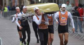 Tak wyglądał pierwszy w historii maraton wioślarski Run&Row [WIDEO]