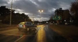 Tak się kończy szarżowanie podczas deszczu w Toruniu [WIDEO]