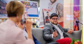 Paweł Fajdek spotkał się z czytelnikami w Toruń PLAZA [FOTO]
