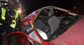 Śmiertelny wypadek pod Toruniem. Samochodem podróżowało siedem osób. Dwie nie żyją [FOTO]
