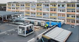 Budowa szpitala idzie zgodnie z planem. Na Bielanach stoją już wszystkie budynki [FOTO]