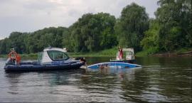 Na Wiśle przewróciła się łódka z dwoma wędkarzami. Nie żyje 57-letni mężczyzna
