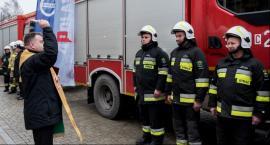 Oto nowoczesne samochody od marszałka dla strażaków ochotników za miliony złotych [FOTO]