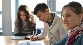 W Toruniu trwają zapisy na darmowe kursy językowe