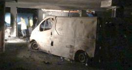 Duże straty po pożarze w hali garażowej w Toruniu [FOTO]