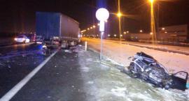 Tragedia pod Toruniem. Auto było całkowicie zmiażdżone... [FOTO]