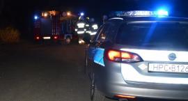 Koszmarny wypadek pod Toruniem. 26-letni kierowca wjechał w drzewo [FOTO]