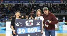 Kibic przyszedł na mecz Twardych Pierników i wygrał 50 tys. złotych [WIDEO]