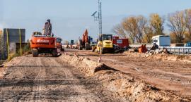 Działka w sąsiedztwie centrum handlowego sprzedana za ponad milion zł [FOTO]