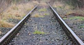 Pociąg potrącił kobietę. Utrudnienia na trasie Toruń - Włocławek