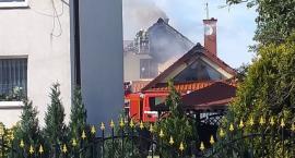 Pożar domu jednorodzinnego pod Toruniem. Trwa akcja strażaków [FOTO]