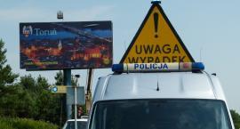 Samochód osobowy zderzył się z ciężarówką w Toruniu