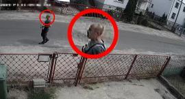 Policja poszukuje mężczyzny, który w piątek napadł na bank w Toruniu [FOTO, WIDEO]