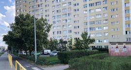 Tragedia w Toruniu. Nie żyje mężczyzna, który skoczył z ósmego piętra [FOTO]