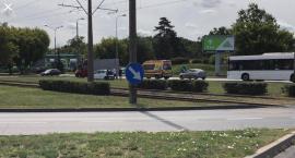 Uwaga! Autobus MZK zderzył się z samochodem [FOTO]