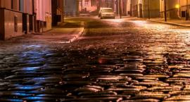 Nocna dewastacja w samym centrum Torunia