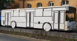 Na ul. Dąbrowskiego stoi pusty autobus MZK. O co chodzi?