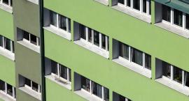 4-latek wypadł z 11. piętra w Toruniu. Policja ujawniła dotychczasowe ustalenia