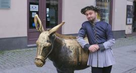 Znany youtuber odwiedzi Toruń i opowie nam historie bez cenzury