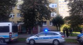 Ewakuacja mieszkańców wieżowca w Toruniu. Trwa akcja służb! [PILNE]