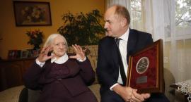 Stuletnia mieszkanka Grębocina Eufemia Bolinowska otrzymała Medal Unitas Durat