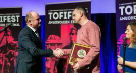 Więzień polityczny i reżyser Oleg Sencow został uhonorowany w Toruniu [FOTO]
