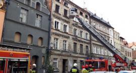 Tragiczny pożar w Toruniu. Trwa akcja strażaków [PILNE]