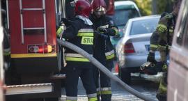 Pożar bloku w Toruniu. Trwa akcja strażaków! [PILNE]