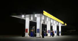 Mężczyzna w masce napadł na stacje benzynowe w Toruniu i sterroryzował obsługę