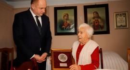 100-letnia Leopolda Witkowska z gminy Łubianka otrzymała medal Unitas Durat