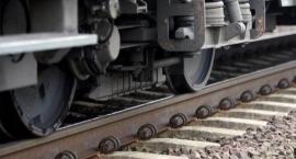 Śmiertelne potrącenie pod Toruniem. Ruch pociągów zablokowany!