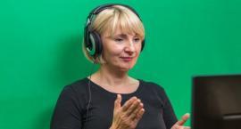 Karolina Jasińska - tłumaczy dla niesłyszących debaty w sejmiku