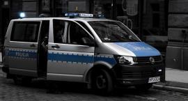 Agresywne zachowanie kierowcy po kolizji przy Idzikowskiego w Toruniu!