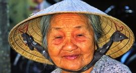 Wietnam - pod słomkowym kapeluszem Non La