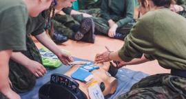 Pierwsza pomoc w praktyce  – toruńska młodzież przeszkolona przez doświadczonych ratowników
