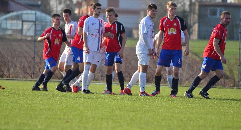 Piłka nożna, Promień przegrywa - zdjęcie, fotografia