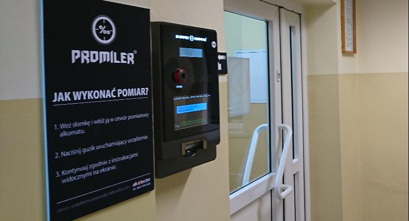 Komunikaty i profilaktyka, Alkomat komendzie - zdjęcie, fotografia