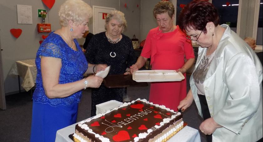 Wydarzenia lokalne, Szampańska zabawa seniorów - zdjęcie, fotografia